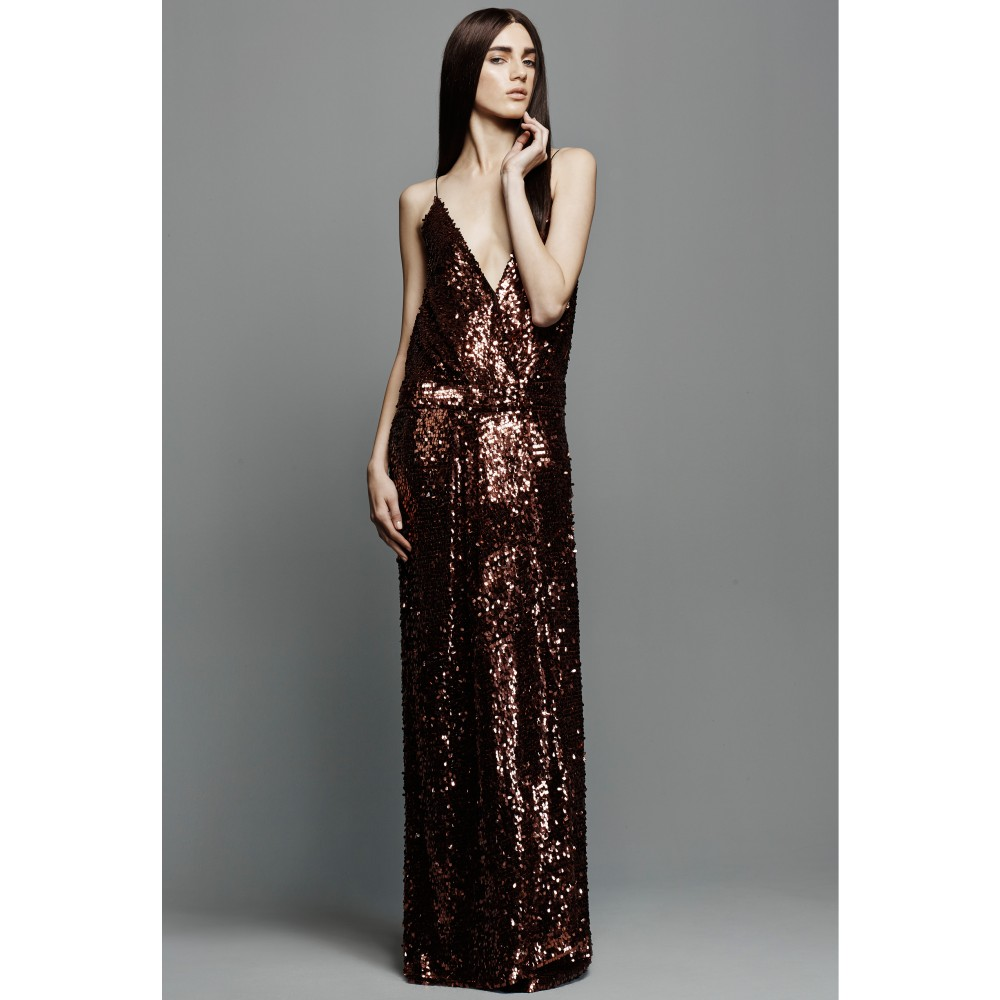 p00151320-sequin-embellished-gown-runway
